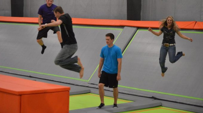5 Reasons to Take Employees to a Trampoline Park